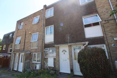 2 bedroom flat for sale - Split Level Duplex on Brussels Way, Luton