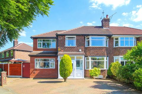 4 bedroom semi-detached house for sale - Kingsway Park, Davyhulme, Manchester, M41