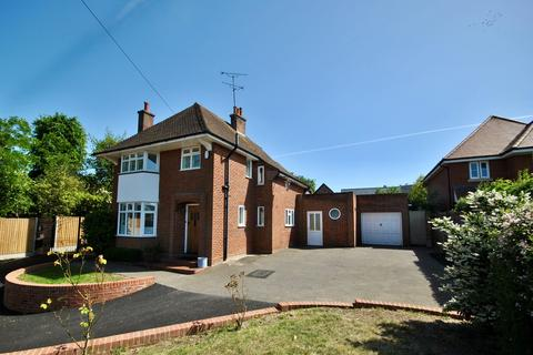 3 bedroom detached house to rent - Galleywood Road, Great Baddow, Chelmsford, CM2