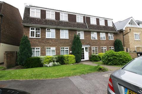 2 bedroom flat to rent - Calshot Way, Enfield