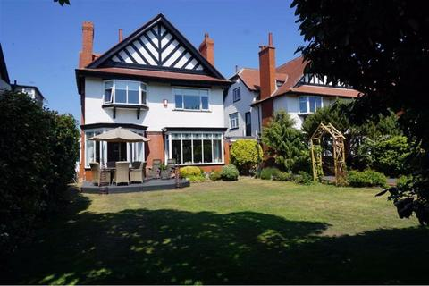 6 bedroom detached house for sale - Clifton Drive South, Lytham St. Annes, Lancashire