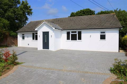 3 bedroom detached bungalow for sale - Hill Road, Fairlight