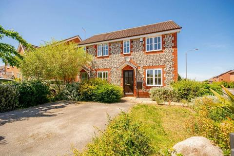 2 bedroom semi-detached house to rent - Mardale Close, West Bridgford, Nottinghamshire, NG2 6SW
