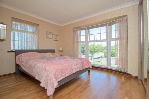 4 bedroom detached house for sale - Shirley Drive, Hove