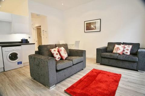 Studio to rent - Clarence Parade, Cheltenham