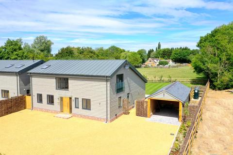 4 bedroom barn conversion for sale - Chalk End, Roxwell, Chelmsford