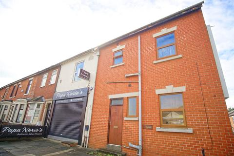 1 bedroom flat to rent - 1-Bed Flat to let on New Hall Lane, Preston