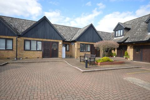 1 bedroom retirement property for sale - Gladstone Court, Mildmay Road, CHELMSFORD, CM2