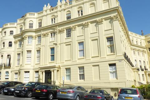 2 bedroom flat to rent - Brunswick Square, Hove, BN3 1EJ