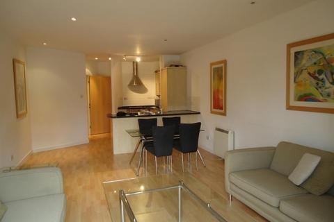 2 bedroom apartment to rent - VICTORIA HOUSE, 143 - 145 THE HEADROW, LEEDS LS1 5RL