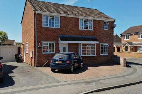 3 bedroom detached house for sale - Mellow Ground, Swindon SN25