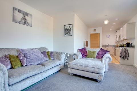 1 bedroom apartment for sale - GUIDE PRICE £140,000 - £150,000! NO CHAIN! OPEN PLAN LIVING! BEAUTIFULLY PRESENTED!