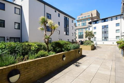 2 bedroom flat for sale - West Street, Brighton, East Sussex