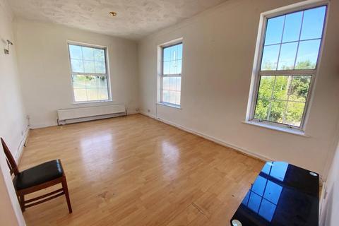 3 bedroom flat to rent - Woodthorpe Road, Ashford, Surrey, TW15
