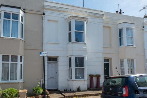 2 bedroom terraced house for sale - College Gardens, Brighton, East Sussex, BN2