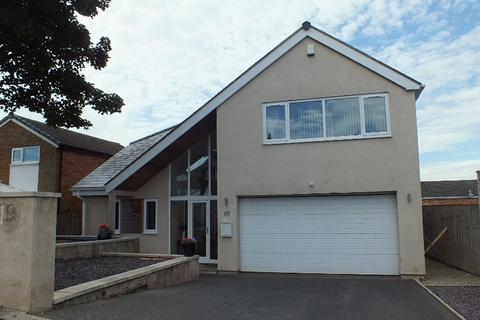 4 bedroom detached house to rent -  Moseley Wood Approach,  Leeds, LS16