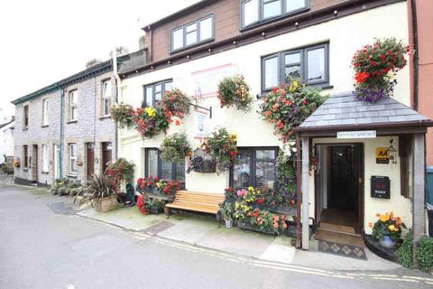 Guest house for sale - Freehold 5 Bedroom Guest House Located In West Looe, Cornwall