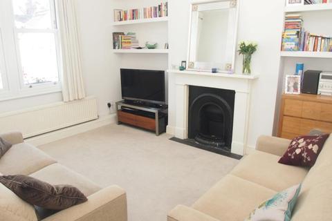 2 bedroom flat to rent - Lascotts Road, Wood Green, N22
