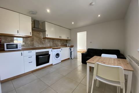 2 bedroom terraced house to rent - Holborn Street, Leeds, West Yorkshire, LS6