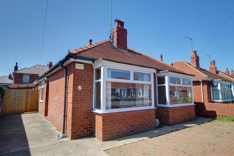 2 bedroom detached bungalow for sale - St. Christopher Road, Bridlington, YO16 4DR