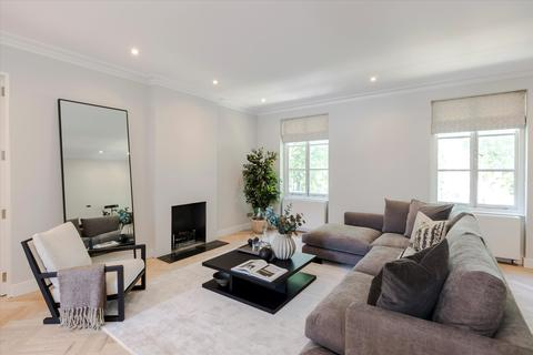 3 bedroom flat - Sussex Gardens, London, W2