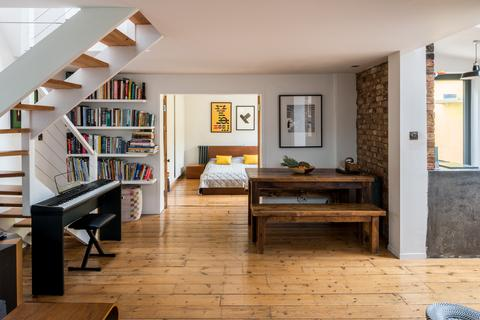 2 bedroom terraced house for sale - The Coach House, Lansdowne Place, London SE19