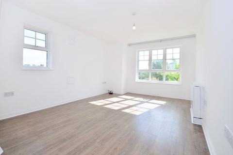 2 bedroom flat to rent - Perkin Close, Hounslow