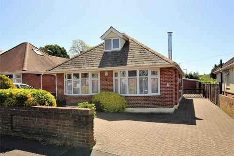 2 bedroom detached bungalow for sale - Heath Avenue, Oakdale, POOLE, Dorset