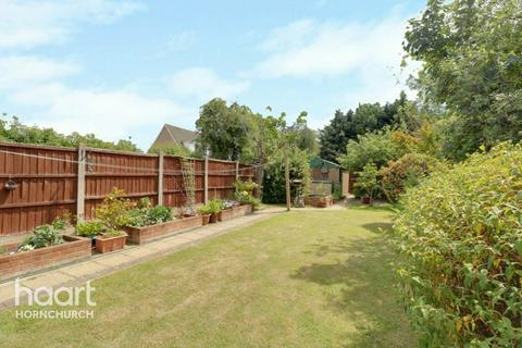 3 bedroom end of terrace house for sale - Hubbards Chase, Hornchurch