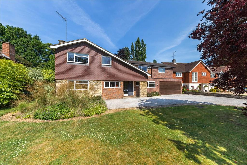 5 Bedrooms Detached House for sale in The Warren, Harpenden, Hertfordshire
