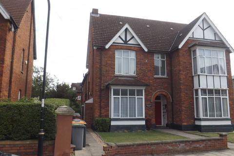 Studio to rent - Endsleigh Court, 33 St Andrews Road, Bedford, MK40