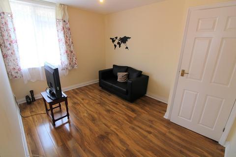 1 bedroom apartment to rent - Haselbury Road, Edmonton, London