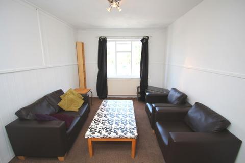 5 bedroom maisonette to rent - Camellia Lane, Surbiton KT5