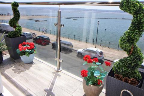 3 bedroom house for sale - South Parade, West Kirby
