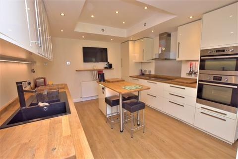 5 bedroom semi-detached house for sale - Cloverdale Gardens, Newcastle Upon Tyne