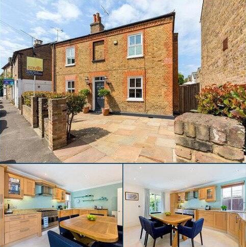 5 bedroom detached house for sale - Helena Road, Windsor, Berkshire, SL4