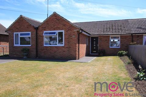 3 bedroom bungalow for sale - New Barn Close, Cheltenham