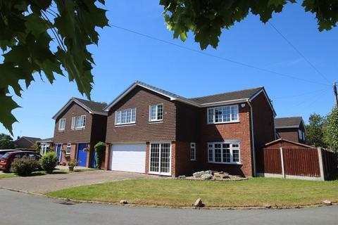 5 bedroom detached house to rent - Langley Close, Sandbach