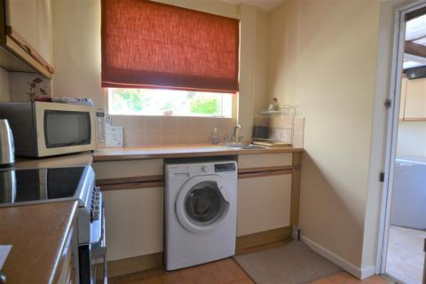 2 bedroom house share to rent - Collett Avenue, Swindon