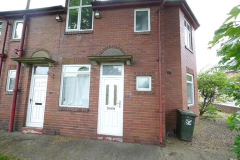 3 bedroom flat to rent - Station Road