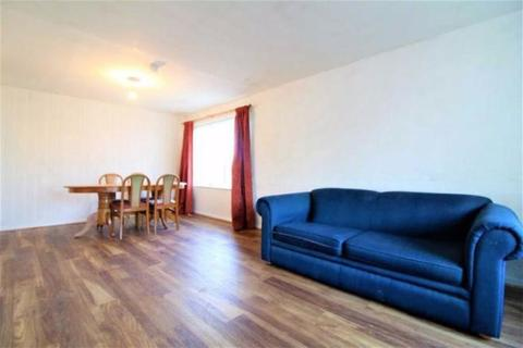 3 bedroom terraced house to rent - Clyde Chase, LS12