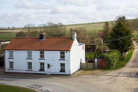 3 bedroom semi-detached house for sale - Main Street, West Lutton, Malton