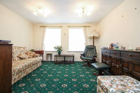 3 bedroom flat for sale - Beachborough Close, North Shields
