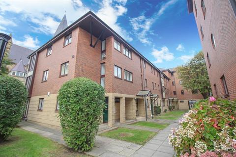 2 bedroom apartment to rent - Brady and Martin Court, City Centre, Newcastle Upon Tyne
