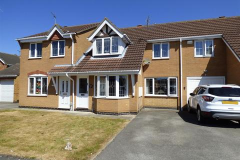 3 bedroom townhouse for sale - Nornabell Drive, Beverley, East Yorkshire, HU17 9GJ