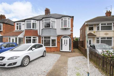3 bedroom semi-detached house for sale - Wold Road, Hull