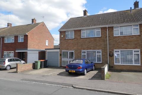 3 bedroom semi-detached house to rent - Yew Street, Houghton Regis LU5
