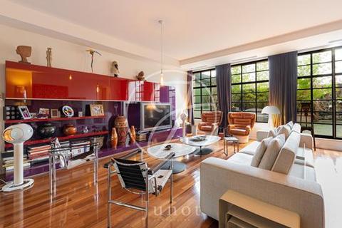 2 bedroom apartment - PARIS, 75008