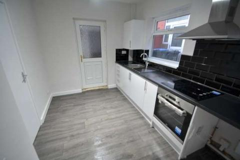 2 bedroom semi-detached house to rent - Faceby Walk, Berwick Hills, Middlesbrough, TS3