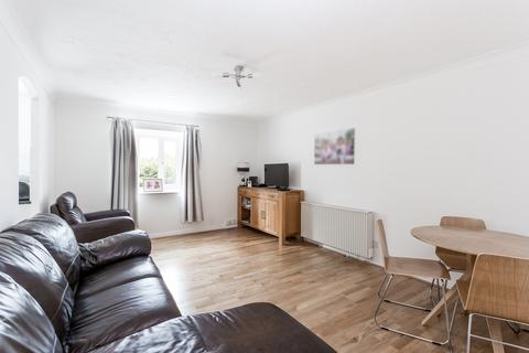 2 bedroom apartment for sale - Hills Road, Buckhurst Hill, IG9